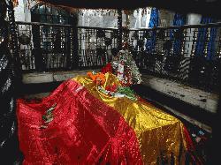 মুনতাসীর মামুন গং এর ইতিহাসবিকৃতি ও হাইকোর্টের মাজার শরীফের প্রকৃত ইতিহাস